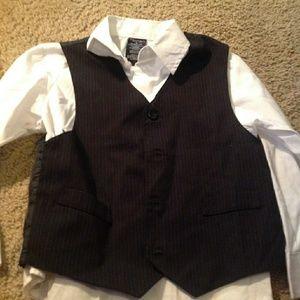 Boys Sz 6 Nautica button up and vest